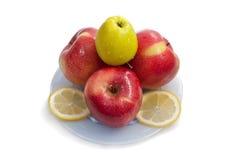 Apple με ένα λεμόνι Στοκ Εικόνες