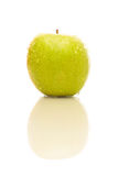 Apple με την αντανάκλαση Στοκ φωτογραφία με δικαίωμα ελεύθερης χρήσης