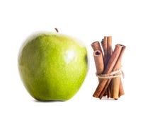 Apple με την κανέλα Στοκ Εικόνες
