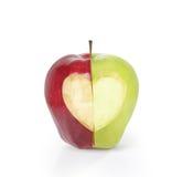 Apple με τη μορφή καρδιών Στοκ φωτογραφίες με δικαίωμα ελεύθερης χρήσης