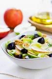 Apple με τη σαλάτα σέλινου, σταφυλιών και ξύλων καρυδιάς Στοκ Εικόνες