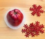 Apple με snowflakes Στοκ Φωτογραφίες