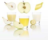 Apple, μπανάνα, αχλάδι, χυμός στο γυαλί που απομονώνεται στο λευκό Στοκ φωτογραφία με δικαίωμα ελεύθερης χρήσης