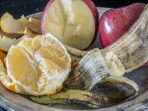 Apple, μπανάνα, πορτοκαλί πιάτο φρούτων Στοκ Εικόνα
