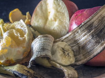 Apple, μπανάνα, πορτοκαλί πιάτο φρούτων Στοκ Φωτογραφίες