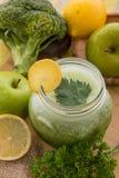 Apple, μπρόκολο, μίγμα χυμού σέλινου Στοκ εικόνα με δικαίωμα ελεύθερης χρήσης