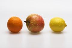 Apple, πορτοκάλι και λεμόνι που απομονώνονται Στοκ εικόνες με δικαίωμα ελεύθερης χρήσης
