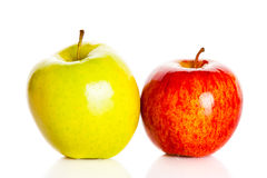 Apple που απομονώνεται στα άσπρα τρόφιμα υποβάθρου Στοκ φωτογραφία με δικαίωμα ελεύθερης χρήσης