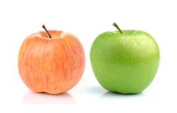 Apple που απομονώνεται στην άσπρη ανασκόπηση Στοκ Εικόνες