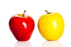 Apple που απομονώνεται στην άσπρη υγιή διατροφή φρούτων υποβάθρου Στοκ εικόνες με δικαίωμα ελεύθερης χρήσης