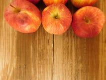Apple που τρώει Στοκ Εικόνες