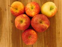 Apple που τρώει Στοκ Φωτογραφία
