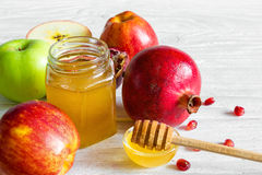 Apple, ρόδι και μέλι, παραδοσιακά τρόφιμα του εβραϊκού νέου έτους - Rosh Hashana Στοκ Εικόνα