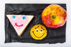Apple, σάντουιτς, κέικ για τα παιδιά Στοκ Φωτογραφία