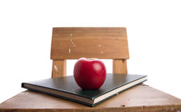 Apple στην έννοια εκπαίδευσης βιβλίων και καρεκλών πίσω στο σχολείο Στοκ Εικόνα