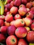 Apple στην αγορά της Farmer ` s Στοκ φωτογραφίες με δικαίωμα ελεύθερης χρήσης