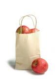 Apple στην τσάντα αγορών Στοκ εικόνα με δικαίωμα ελεύθερης χρήσης