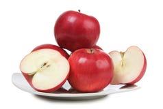 Apple στο άσπρο πιάτο Στοκ Φωτογραφία
