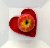 Apple στο πιάτο Στοκ Φωτογραφία