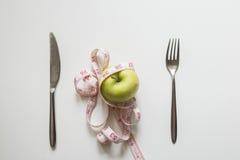 Apple στο πιάτο Στοκ φωτογραφία με δικαίωμα ελεύθερης χρήσης
