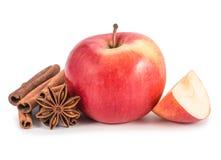 Apple, anis e canela isolados no fundo branco Fotos de Stock Royalty Free
