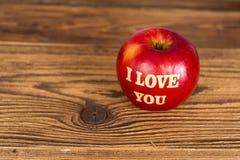 Apple avec amour Photographie stock