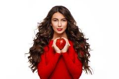 apple beautiful holding red woman young Στοκ φωτογραφία με δικαίωμα ελεύθερης χρήσης