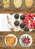 Apple berry pie with red currant and blackberry Royalty Free Stock Images