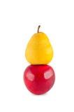 Apple-Birne getrennt auf Weiß. Lizenzfreie Stockbilder