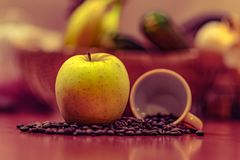Apple, café, tasse de café Images stock