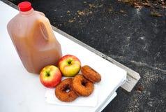Apple-cider donuts royalty-vrije stock afbeeldingen