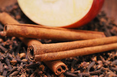 Apple & cinnamon Royalty Free Stock Images