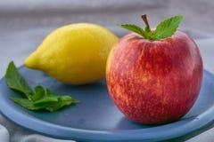 Apple, citron et menthe images stock