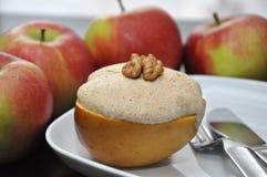 Apple cocido con el merengue Fotos de archivo libres de regalías