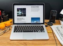 Apple Computer en los últimos avisos de WWDC de la foto app en el mac Fotografía de archivo