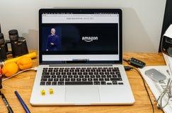 Apple Computer en los últimos avisos de WWDC de la prima del Amazonas encendido Imagenes de archivo