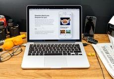 Apple Computer en los últimos avisos de WWDC del integratio de la manzana Imagen de archivo libre de regalías