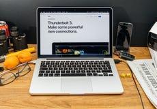 Apple Computer en los últimos avisos de WWDC del rayo de iMac Fotografía de archivo