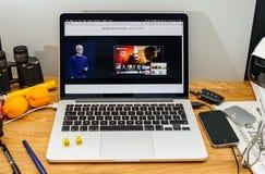 Apple Computer en los últimos avisos de WWDC del reloj ahora Tim co Imagenes de archivo