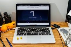 Apple Computer en los últimos avisos de WWDC del reloj de la manzana, cus Fotos de archivo libres de regalías