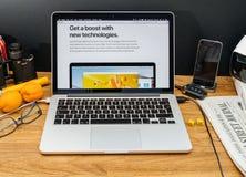 Apple Computer en los últimos avisos de WWDC del technologi de la manzana Fotos de archivo libres de regalías