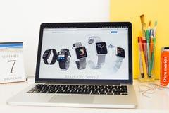 Apple-Computer Website, die Apple-Uhrstrecke zur Schau stellt Lizenzfreie Stockfotografie