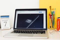 Apple-Computer Website, die den neuen Fusion A10 Chip zur Schau stellt Stockbilder