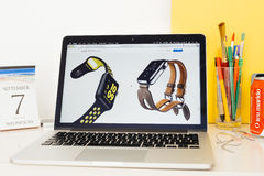 Apple-Computer Website, welche die ApfelUhrenarmband hermes zur Schau stellt Lizenzfreies Stockbild