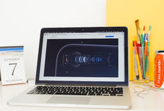 Apple-Computer Websitepräsentation Stockfotografie