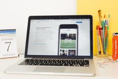 Apple-Computer Websitepräsentation Lizenzfreie Stockfotografie