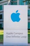 Apple-Computer Welthauptsitze und -logo Lizenzfreie Stockfotos