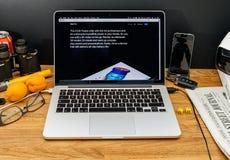Apple-Computers bij de recentste aankondigingen van WWDC van 10x Fusiespaander Stock Foto