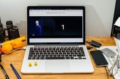 Apple-datorer på senast meddelanden för WWDC av iMac vr på imac Arkivbild