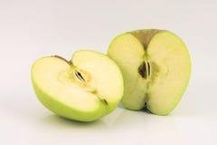 Apple dos rebanadas fotografía de archivo